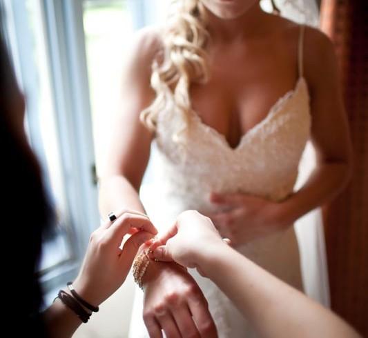 tóth zsuzsi esküvő stylist menyasszonyi smink