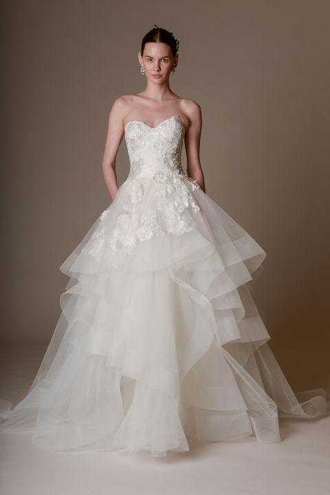 Amsale  Lela Rose  Marchesa  a vonalú menyasszonyi ruha ... 5eb348a3db